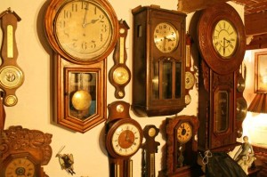 collectibles to decorate a shed