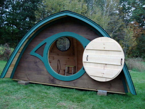 From Etsy, a doghouse Hobbit Hole. http://etsymaineteam.blogspot.com/2012_02_01_archive.html